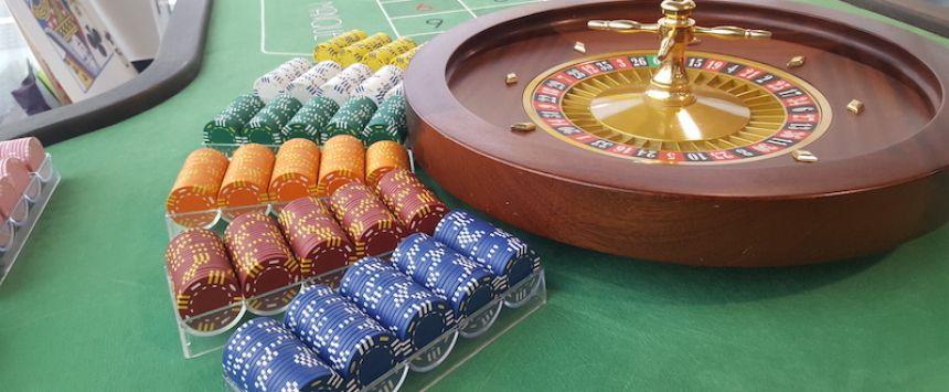 Une cliente accro au casino attaque son neurologue