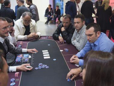 poker-texas-holdem-joueurs