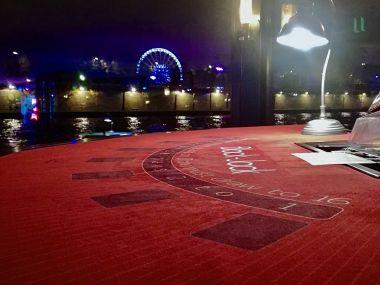 animation-casino-black-jack-peniche-paris-nuit.