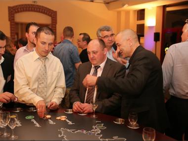 Casino-des-vins-monde-seminaire-entreprise-au-Carrousel-de-Baronville-Chartres-mise-jetons-AACasino